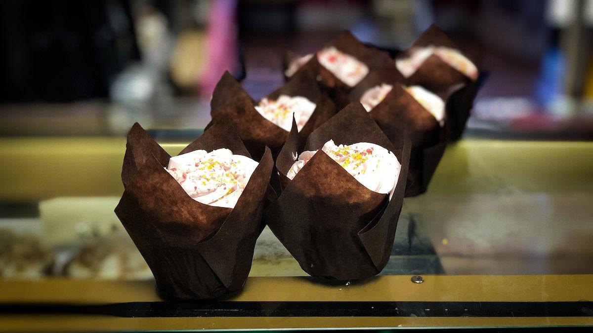 image of Strawberry Lemonade cupcakes