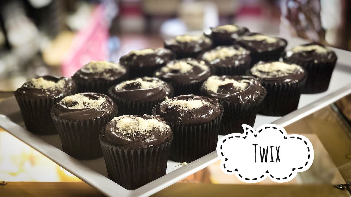 image of Twix cupcake