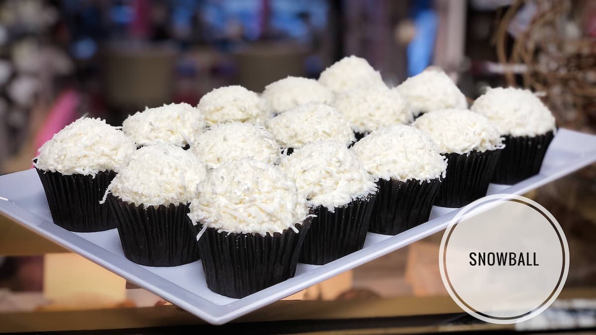 image of Snowball Cupcakes